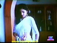 mamta kulkarni hot wet saree song 1
