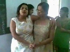 Bangladeshi girl enjoy - SlutLoad.com