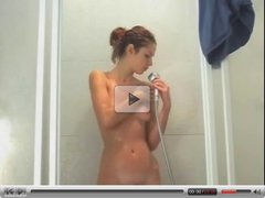 Teen masturbate in shower