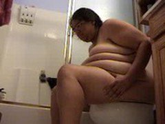 ALMA SMEGO NAKED ON TOILET
