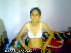 Kashmiri girl stripping naked and sucking dick MMS