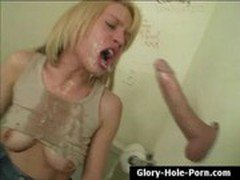 Hungry blonde Holly Wellin gives sloppy wet deepthroat