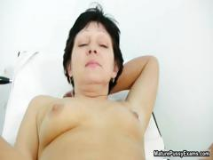 Hairy mature mom spreads wide and gets part3